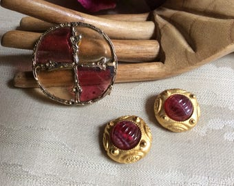 Vintage stained glass look brooch, Etruscan look clip earrings, red gold jewelry, Medieval look brooch, pin earrings set