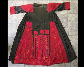 Antique Bedouin Dress | Vintage Coat Silk Embroidery | Middle East Textiles | Palestinian Womens Coat | Black Red | Hand Embroidered 1930s