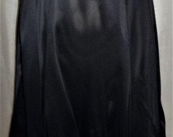 Vintage Olga Secret Hug Lace Waistband Nylon A-Line Half Slip Medium Black