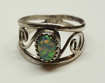 Sterling  Genuine Opal 8mm X 6mm  Ring Promise Ring from 1970s SIZE 5 1/2 Natural Opal