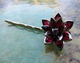 Red Flower Bobby Pin, Holiday hair accessory, hair pin, bobbie pin