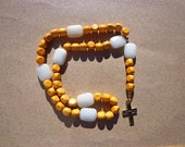 Lutheran Prayer Beads,  Golden Yellow Wood Beads with White Calcite Gemstones, Gold Tone Metal Cross, Protestant Beads, Christian Beads