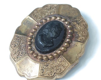 Victorian Era Black Cameo Brooch Chased and Smooth Design