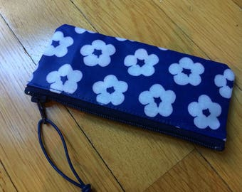 Finnish blue flower OIL cloth coin, lipstick, tampon etc. purse, cute from Finland