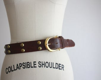 oxblood horseshoe leather belt