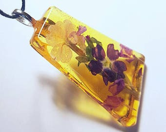 Real Flower Resin Nature Pendant Necklace Bohemian Jewelry Handmade Flowers Amber Yellow Purple