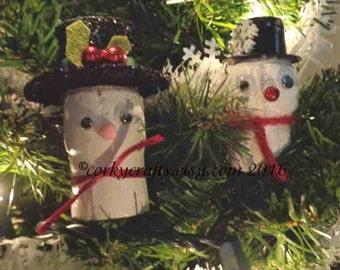Wine Cork Snowman tree ornament/gift tag/wine bottle tag/Secret Santa gift