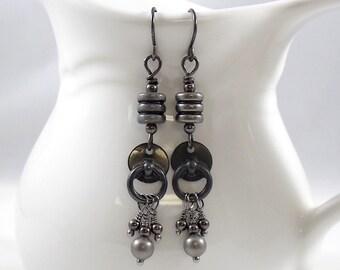 Dark Gunmetal Dangle Earrings,  Gunmetal Earrings, Dark Gray Earrings, Wire Earrings, Lightweight Earrings, Annealed, Long Earrings, E065