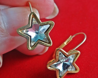 "Vintage gold tone .5"" pierced rhinestone star earrings in great condition"
