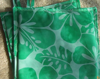 Pot holders, Tropical Hawaiian, Oven Mitts, Made in Hawaii, Handmade, Oven Gloves, Hot Pads, Ready to Ship, Hostess Gift,Dinner Party