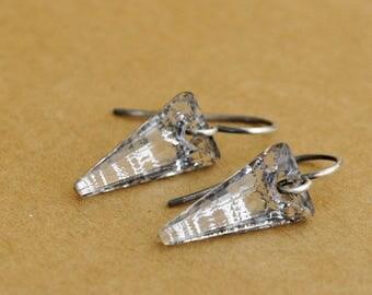 sterling silver earrings, modern, minimalist, everyday, dainty, RAINING DAY, teardrop, rain drop, clear water, petite clear dagger earrings