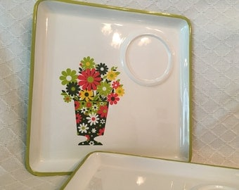 Square seventies floral plates Nose-Gay