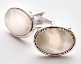 Mother Of Pearl cufflinks.  Cuff Links. Oval. Gifts For Men. Groom Cufflinks.  Wedding cufflinks. Birthday gift for man