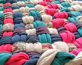 """Eclectic Pink Yarrow Woven Looper Rug pantone colors of Springtime Beach style kitchen Mat Measures 26"""" x 19"""""""
