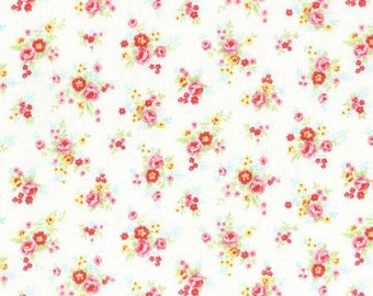 Antique Flower in Pastel Small Roses on Cream Cotton Fabric Lecien 31422-10