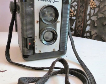 SALE Vintage ARGUS Argoflex Seventy Five Bakelite Camera