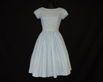 1950's blue day dress fit and flare pin tuck bodice full skirt frock small