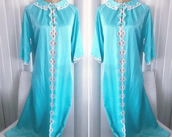 Beautiful Vintage Christian Dior Turquoise Silk House Coat -- Robe -- Size L-XL