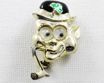 Vintage St. Patrick's Day Google Eye Lucky Leprechaun Brooch Lapel Pin (B-2-5)