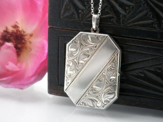 Vintage Locket | Sterling Silver Octagonal Locket Necklace | 925 Sterling Silver Photo Locket | Love Token - 20 Inch Sterling Silver Chain