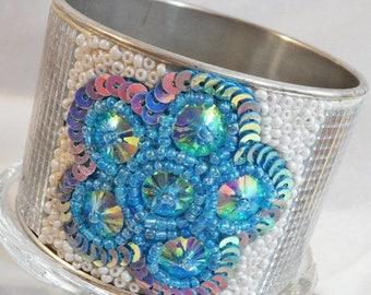 ON SALE Vintage Rhinestone Flower Bracelet.  Aqua Blue Silver Mirror Flower Bangle.
