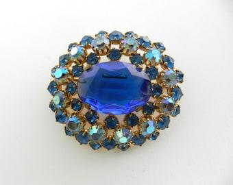 Fabulous  JULIANA style  Blue & Aurora Rhinestone Vintage  domed oval  Brooch -1950s sparkling blue shades brooch -- Art.555/4 -