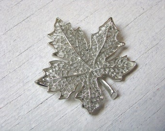 Vintage silver maple leaf brooch pin SUMMER FROST by Sarah Coventry