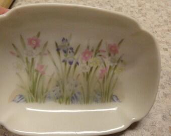 Vintage California Pottery Soap Dish Iris San Francisco