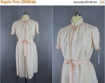 SALE - Vintage Silk Nightgown / Silk Lingerie / Maternity Hospital Gown / Asian Mandarin Style / Pastel Pink / Size XL XXL