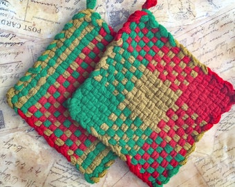 David's Potholders - Cotton Potholders - Red Green and Gold Christmas Hot Pad - Woven Pot Holders - Cotton Trivet - Handmade - Set of 2