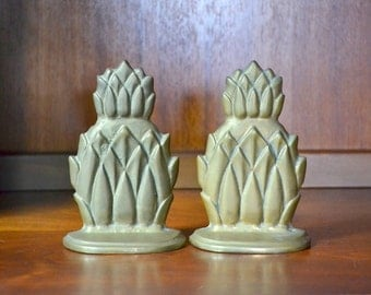 vintage brass pineapple bookends / vintage office decor / brass metal pineapples