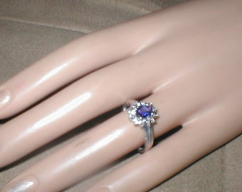 Vintage 14K white gold Tanzanite & Diamond Ring sz 8