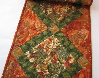 Fall Table Runner, Quilted Table Runner,  Handmade Table Runner, Tablerunner, Home Decor, Leaves, table quilt, Fall Decor, Autumn Colors