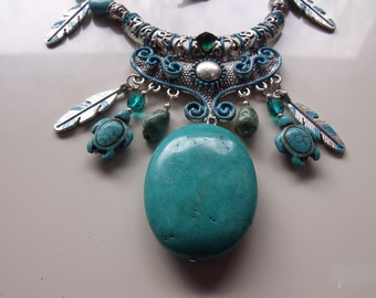 jewelry,western necklace in turquoise and magnesite with hand painted accents