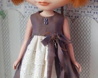 Eyelet lace ruffle dress for blythe