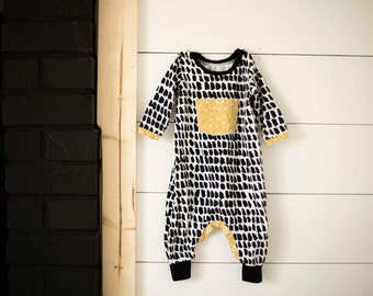 Knit romper, harem romper for babies, black and white romper, romper with snaps, jumpsuit, cotton knit playsuit, elvelyckan.design fabric