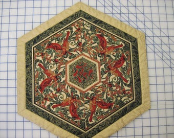 Cardinal Quilted Table Mat