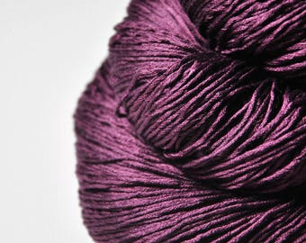 Withering fuchsia - Silk Fingering Yarn