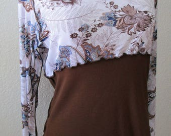 This is a Brown color color top with floral print pattern plus made in U.S.A. (v110)