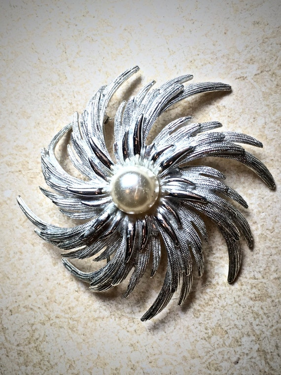 Silver and Pearl vintage starburst brooch, Large Sarah Coventry Brooch