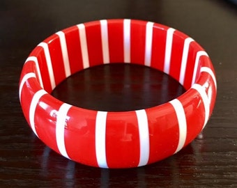 Vintage Red and White Striped Lucite Bangle Bracelet, Retro, Costume Jewelry, Vintage Jewelry