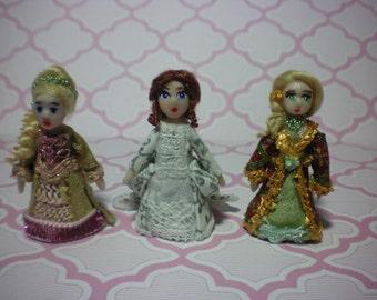 OOAK custom made 1:48 quarter scale Polymer clay dollhouse miniature lady doll handmade