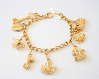 Vintage charm bracelet. Goldplated charm bracelet