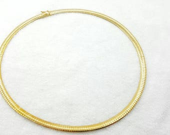 Flat Omega Chain Gold tone Necklace Safety Clasp mint condition