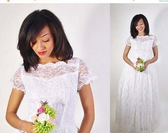 Final SALE 55% Off - Lace Wedding Dress / 1950s Wedding Dress / Long Dress / White Lace / Bombshell / Pinup / Vintage Lace / White / Dress /