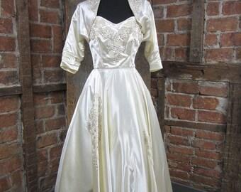 On Sale 1950s Wedding Dress Tea Length Vintage X Small