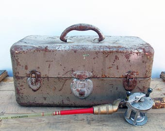 Distressed Mid Century Union Metal Tackle Box - Toolbox