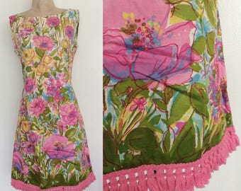 1970's Floral Shift Dress w/ Pink Fringe Hem Size Small Medium by Maeberry Vintage