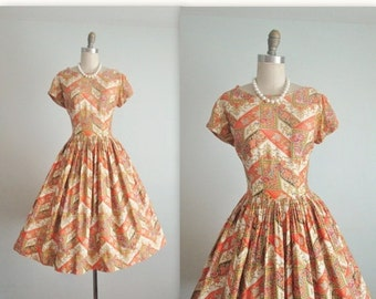 STOREWIDE SALE 50's Dress // Vintage 1950's Vibrant Paisley Sateen Cotton Full Casual Dress M