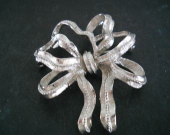 Monet Silver Bow Brooch - vintage, collectible, jewelry